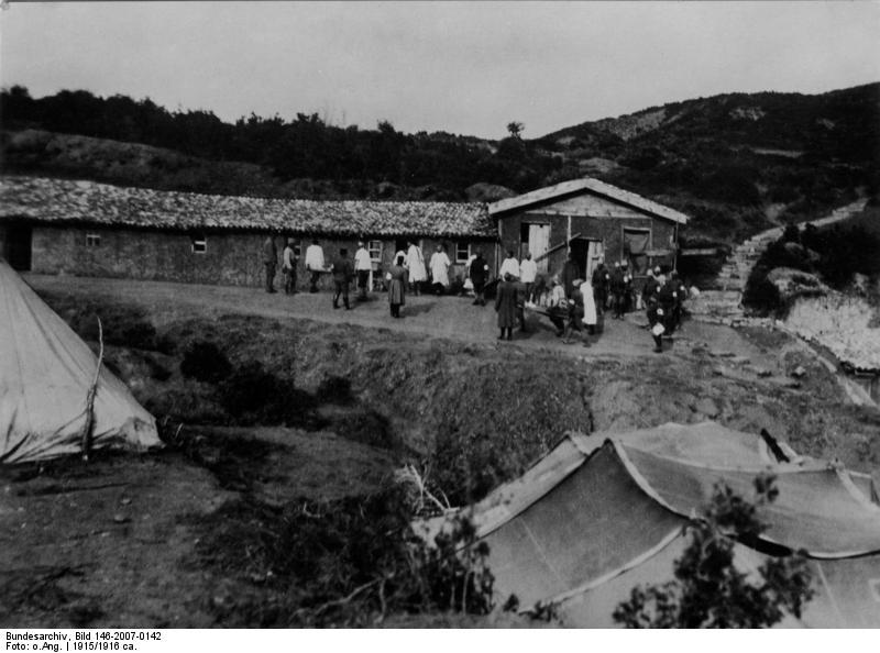 Bundesarchiv_Bild_146-2007-0142,_Türkei,_Gallipoli,_Lazarett.jpg