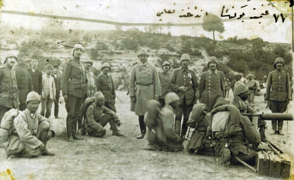 Ottoman_soldiers_testing_captured_weapons.jpg