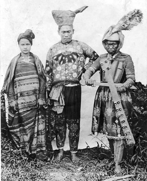 Moro-Datu-and-Wife-early-1900s1.jpg.ab38