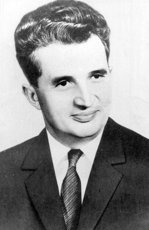 Nicolae_Ceausescu.thumb.jpg.51667b49cf9a