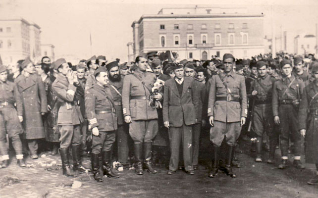 Partisans_in_Tirana.jpg.81ef5d11584c1632