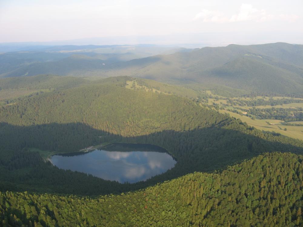 lacul-sfanta-anamuntii-hargita.thumb.jpg