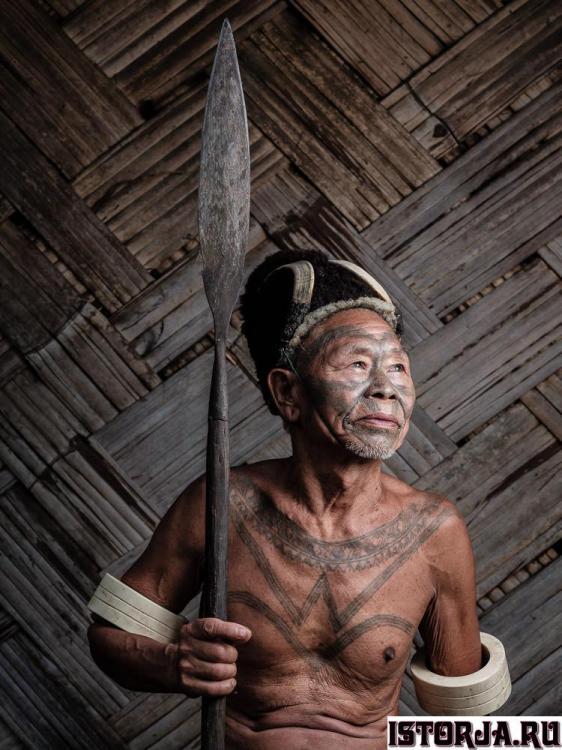 konyak-naga-headhunter-tattoo-india-1.th