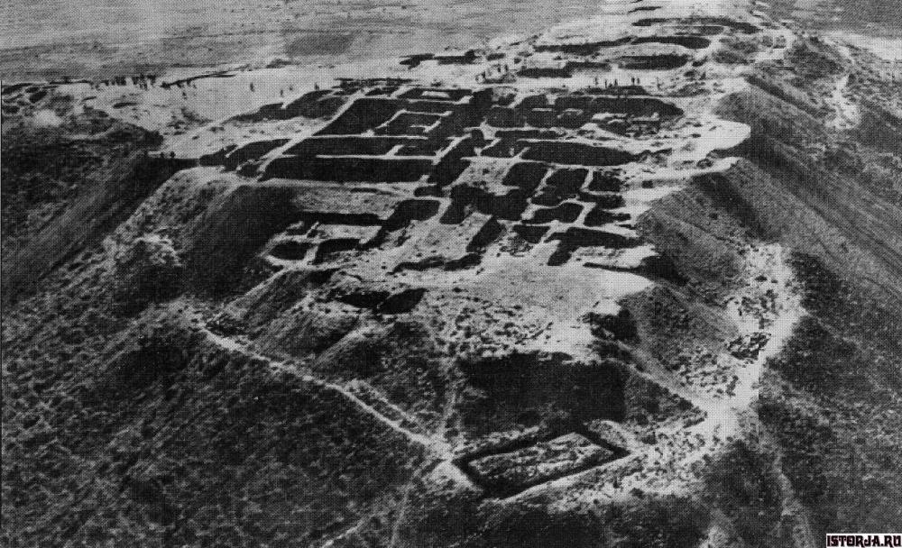 панорама крепости эребуни.jpg
