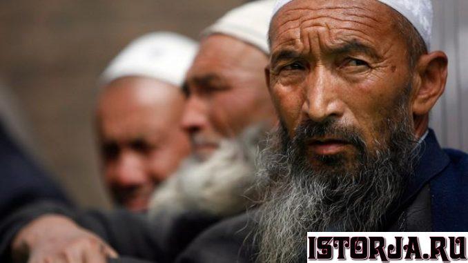 uighur-man-678x381.jpg.a72a31de0d417c0cc